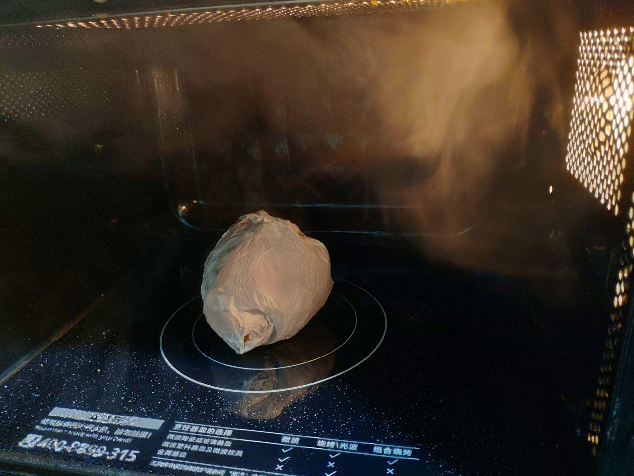 """get新技巧,微波炉可以用来""""烤""""红薯"""